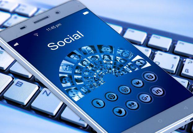SocialMedia_day-623x432.jpg