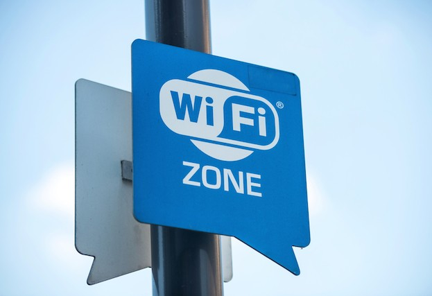 Public-Wi-Fi-hotspots-know-the-risks-3-623x427.jpg