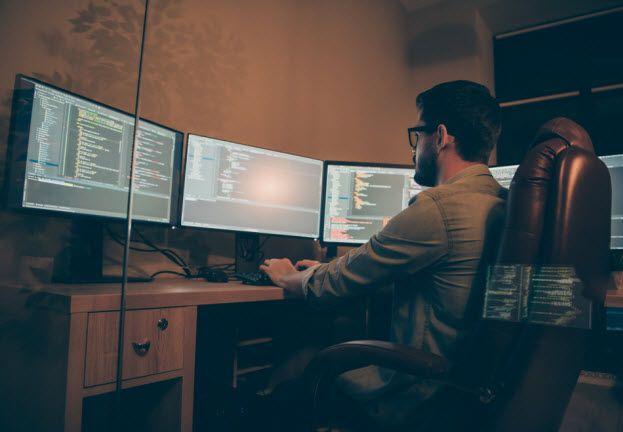 profesionales-seguridad-informática-formación-académica-autodidacta.jpg