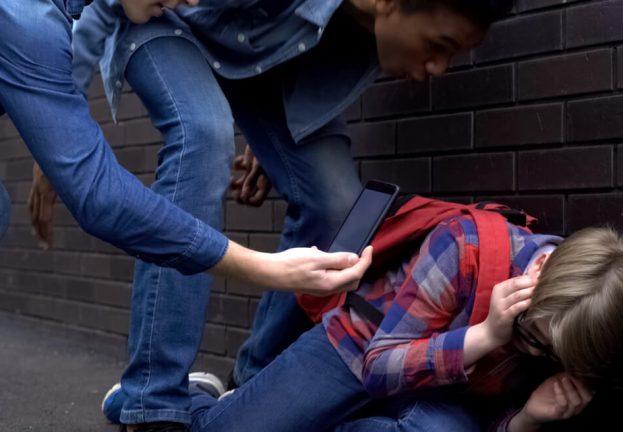 cyberbullying-inperson-bullying-623x432