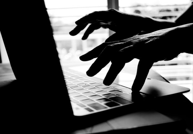 Hackers-peddle-stolen-customer-data-ransom-store-owners-623x432