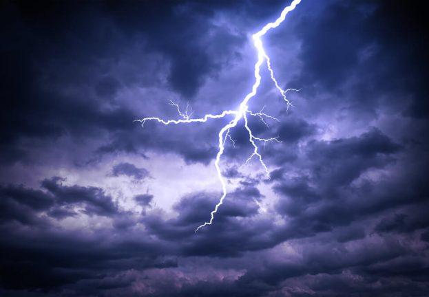 Thunderbolt-flaws-millions-PCs-physical-attacks-623x432