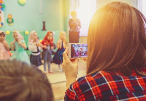 children-social-media-sharenting-risks-4-623x432